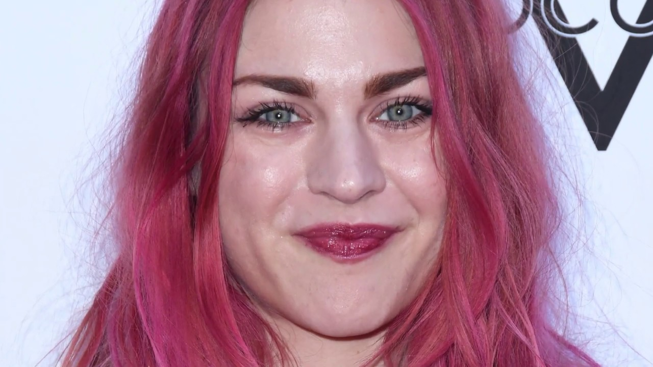 Courtney Love and Frances Bean remember Kurt Cobain on his ...
