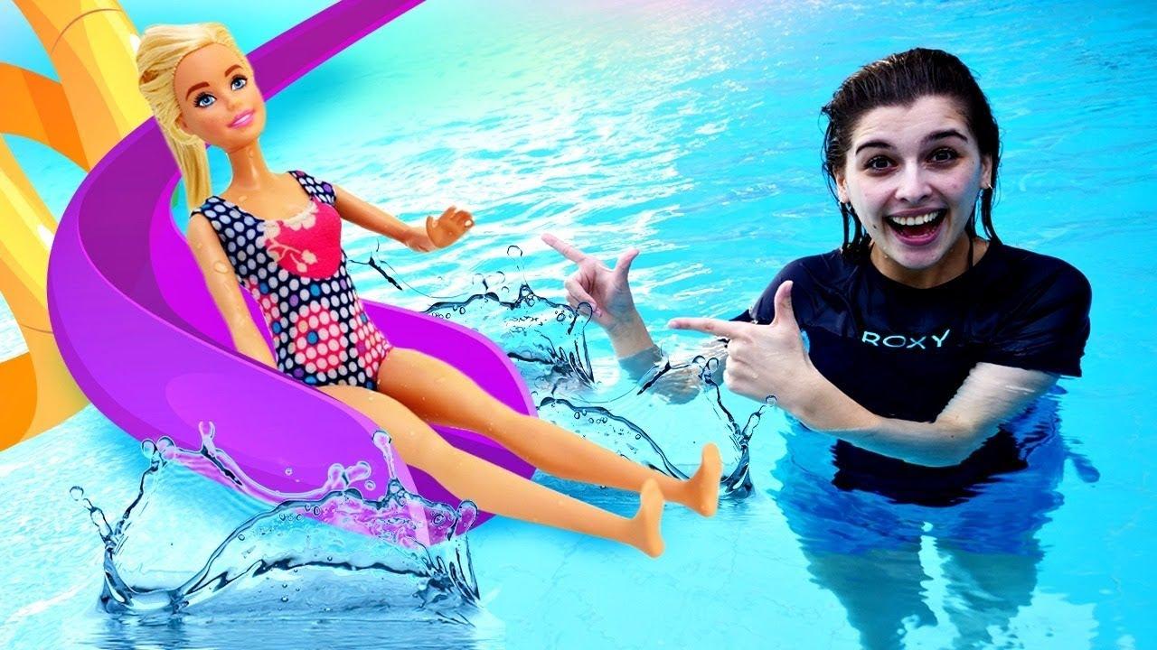 Барби и Кен в аквапарке! Супер горки с волнами ...