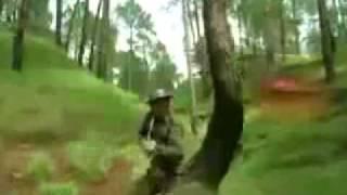 ~~JANBAAZ~~PAKISTAN ARMY SONG~پاک فوج زندہ باد.FLV