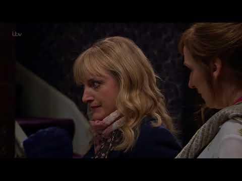 Nicola Shows Laurel Brenda