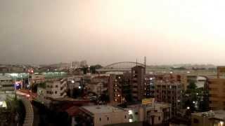 小田急線の列車に雷が直撃した瞬間をとらえた映像(登戸) thumbnail