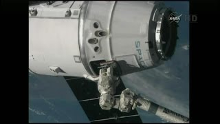 SpaceX Dragon CRS-5 Rendezvous, Grapple, & Berthing (time lapse)