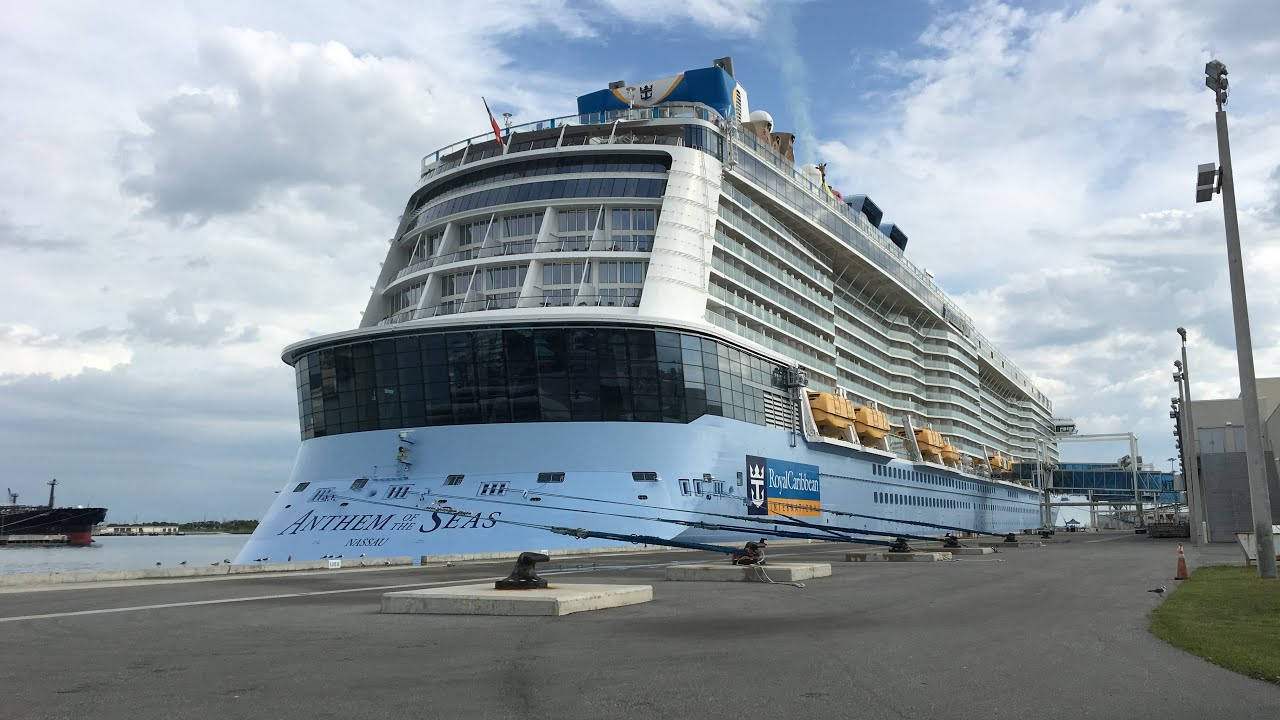 Anthem of the Seas meets Norwegian Escape in Port Canaveral! 11/20/18