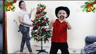 Minha Mãe virou Criança e me pediu uma árvore de Natal   Dany e Cadu