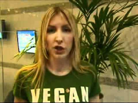 Five News   Heather Mills McCartney Walks Out of Interview.wmv