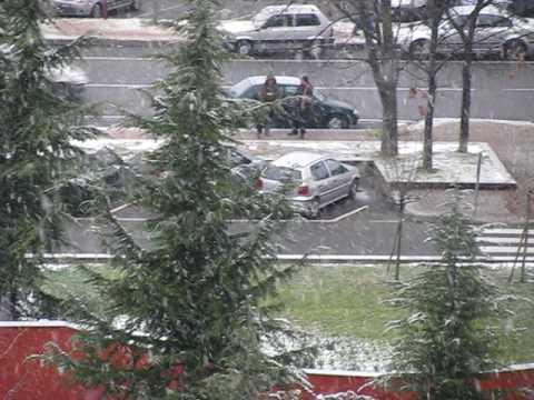 snow fall in milan.AVI
