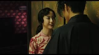 俳優の小栗旬が、写真家・映画監督の蜷川実花とタッグを組み、日本の近...