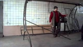 видео Садовые качели из металла и профильной трубы своими руками для дачи: чертежи, размеры, мастер-классы