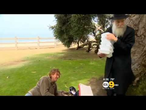 Chabad Rabbi Offers Food, Hope For Homeless In Santa Monica