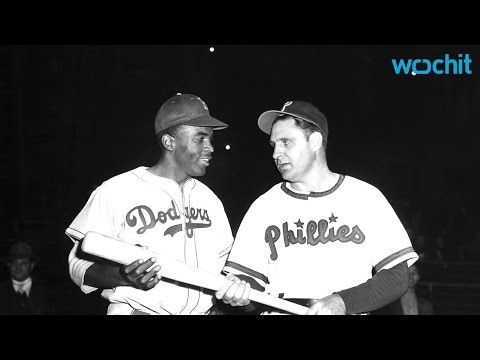 Philadelphia Apologizes to Baseball Great Jackie Robinson