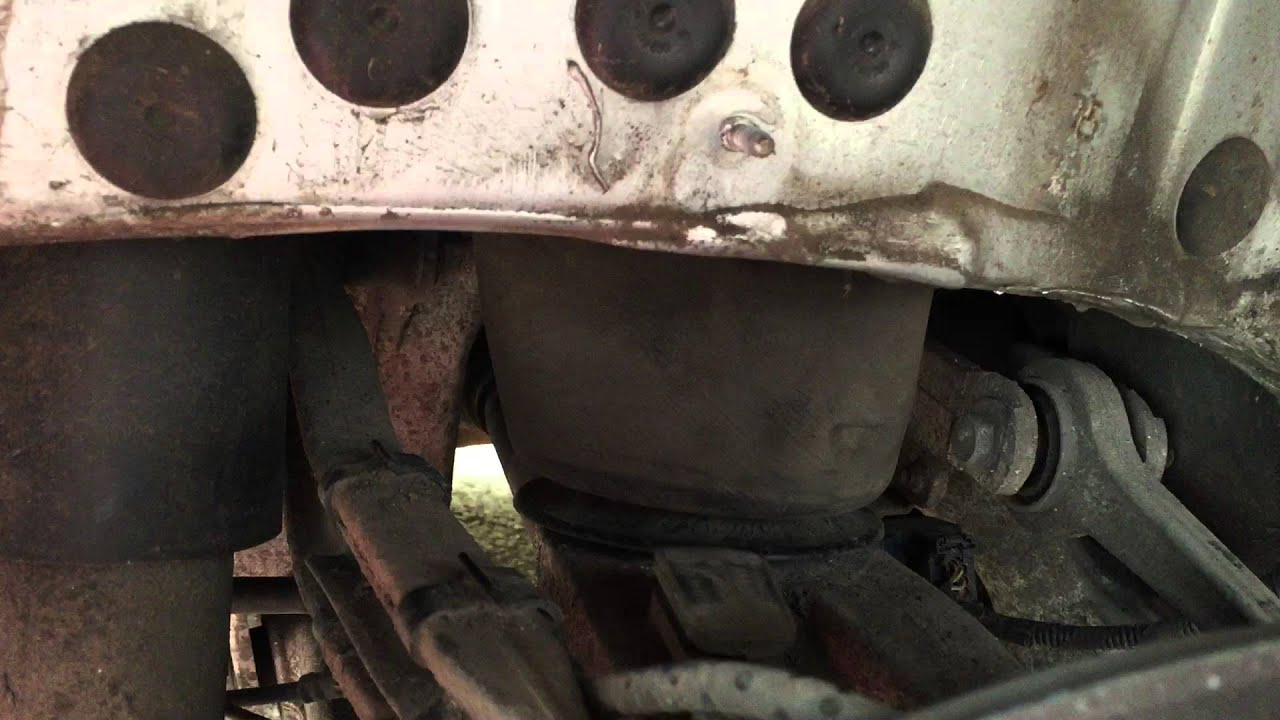 BMW 5 series 2004-2010 E61 rear suspension air bag removal