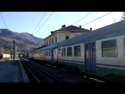 TRENO REGIONALE DA LIMONE A FOSSANO TRANSITA A ROBILANTE (CN) 26 - 12 - 2014.