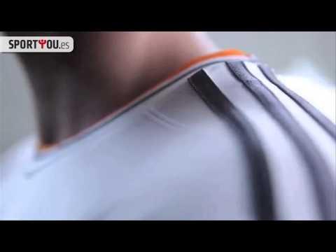 Adidas presenta la nueva camiseta del Real Madrid 2013-14