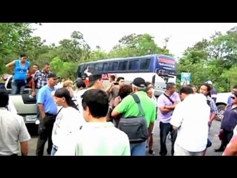 Protesters block Panama highway over mining rights