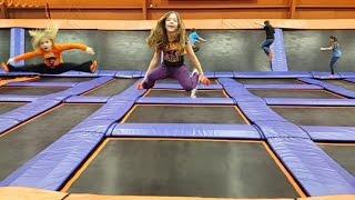 trampoline park fun kids jumping at sky zone   life with jillian addie   babyteeth4