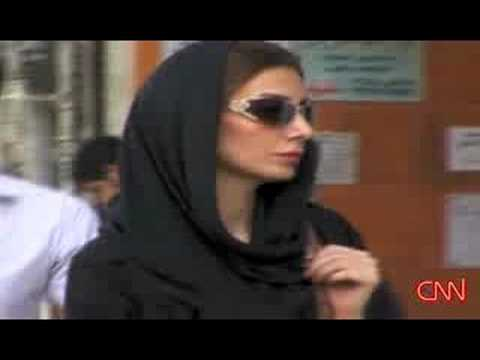 Iran: Undercover fashion in Iran