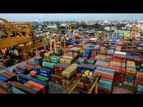 Sri Lanka opens Chinese-built 'mega port'