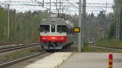K-juna K 9509 lähtee Korson asemalta | K-line train K 9509 departs from Korso station