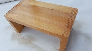 Making A step stool (2 units) made from a used beech shelf. the jig that im using is called screw advanced box joint jig, and was