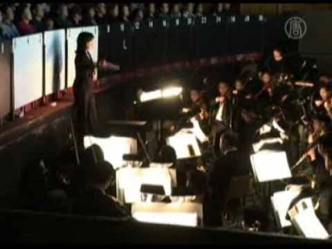 El direcctor de orquesta, David Dworkin, elogió el...