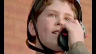 Video Le bébé s'est envolé (2000) bande annonce download MP3, 3GP, MP4, WEBM, AVI, FLV November 2017