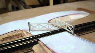 Automatic Level Crossing Gates in N Scale with Heathcote Electronics