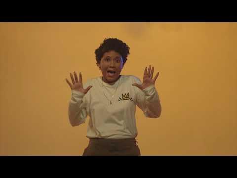Lizzy Parra – Danzando