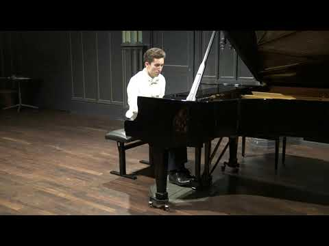 Valentin Malinin performs Waltz in A-flat major by A. Skriabin