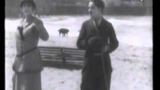 Charlie Chaplin in CHARLOT ALLA SPIAGGIA