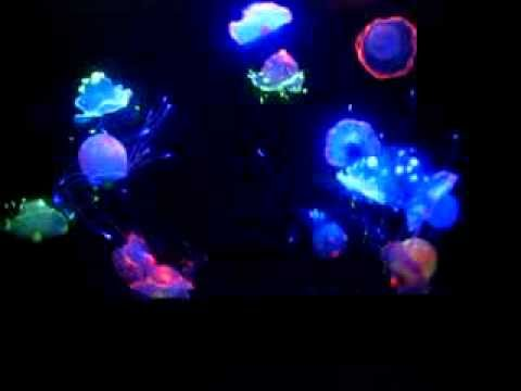 Artificial Glowing Jellyfish Aquariums [www.waterfallnow.com/jellyfish]