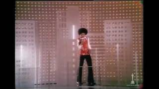 Michael Jackson performing at the 45th Annual Academy Awards (1973)