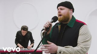 tom walker quotfade awayquot live performance vevo