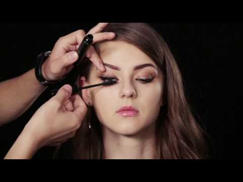 A tutorial of natural and gorgelous makeup by FOCALLURE
