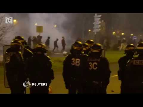 Paris suburb protests target police over alleged rape