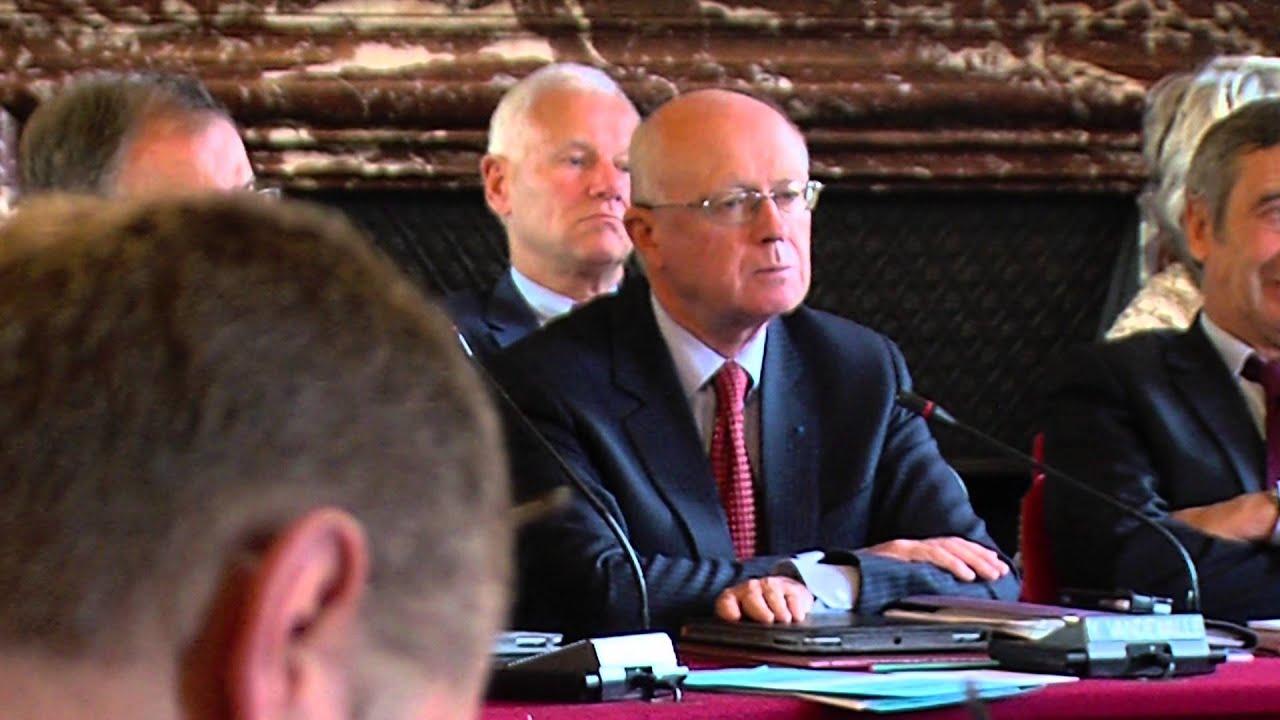 Départementales 2015 : l'UMP désigne la plupart de ses candidats