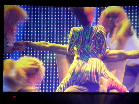 Nicki Minaj giving Lil Wayne a lap dance @ I Am Still Music Tour  (Bank Atlantic Center)