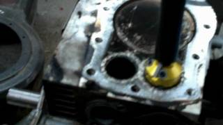 LAWM MOWER REPAIR : how to cut the valve seats on a small engine