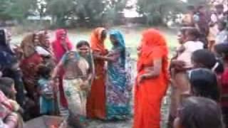 Repeat youtube video आजमगढ़ विवाह गीत, नाच