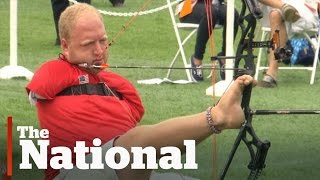Archer with no aŗms wows at Parapan Am Games