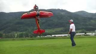 Quique Somenzini flies a Beast at the 30 year festival of Modellbau Lindinger