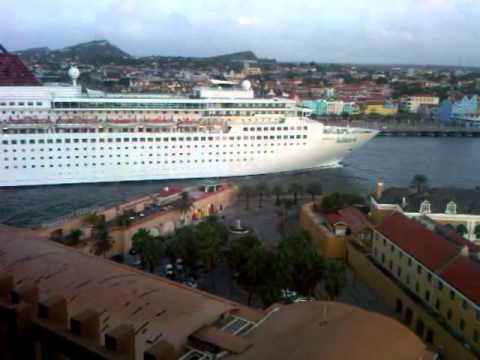 Curacao PLAZA Hotel view.3GP