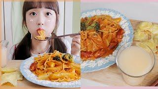엽떡에 크림파스타 퐁당♡ 바삭 치즈만두도 냠♪ 리얼사운…