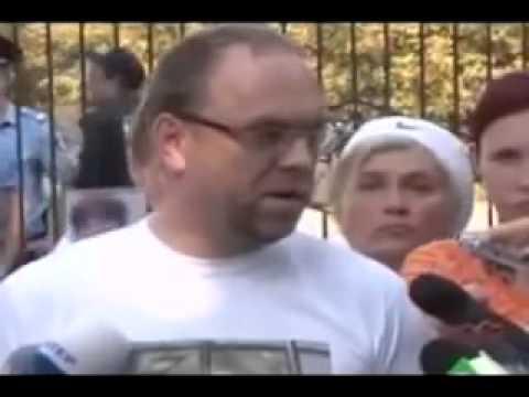 видит документальный фильм об украине взбитое масло постепенно