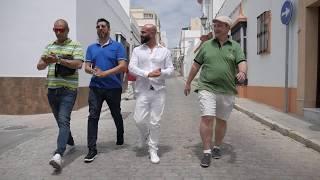 Barrio Latino en Callejuelas, San Fernando con Maita
