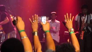 1  Beres Hammond - Intro & Can