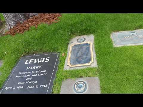 Кладбище Мерлин Монро 2  Cemetery Marilyn Monroe 2