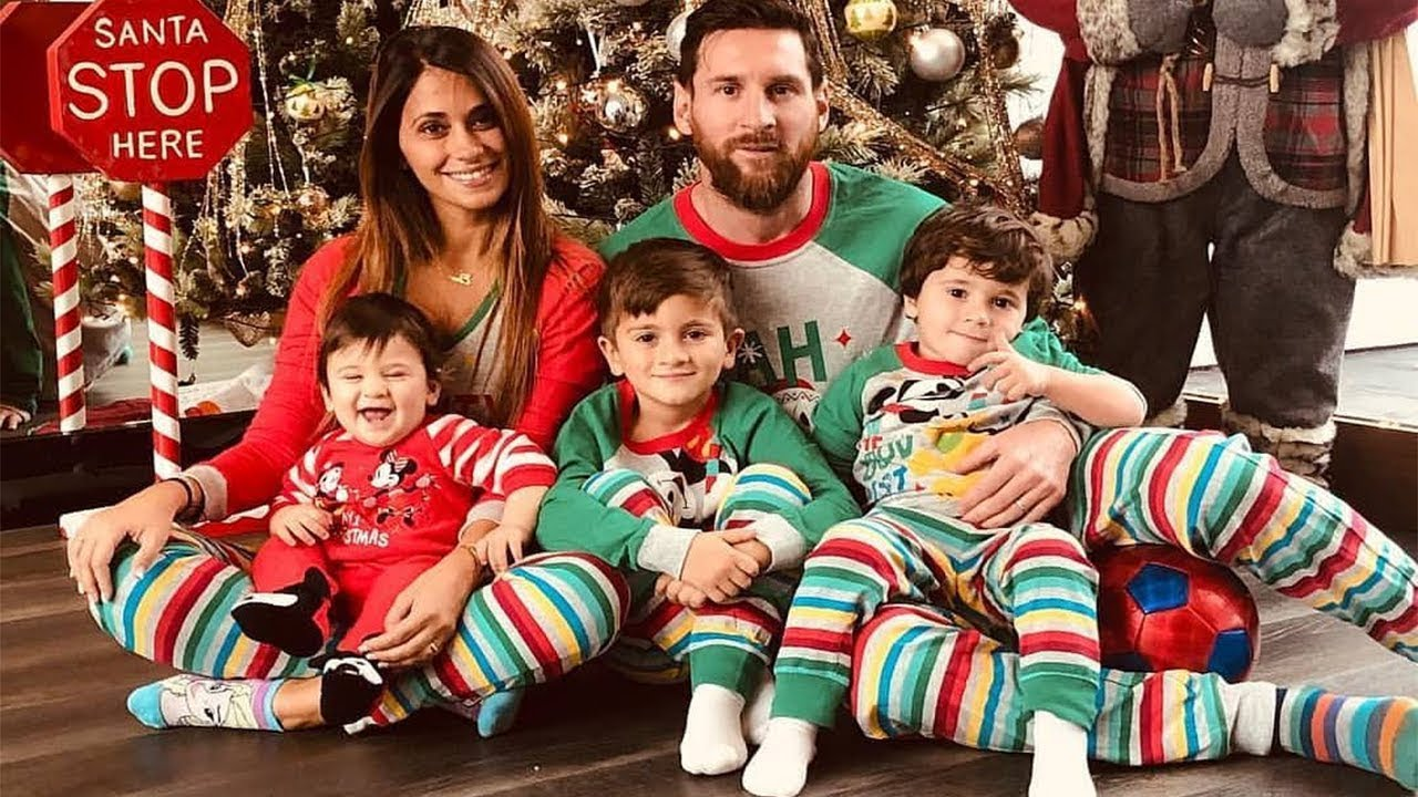 Lionel Messi and wife Antonella Roccuzzo with Thiago, Mateo and Ciro Messi