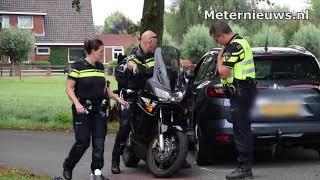 Motor en auto botsen in Garsthuizen..Twee gewonden