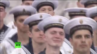 Владимир Путин участвует в праздновании дня ВМФ в Санкт Петербурге 1280x720