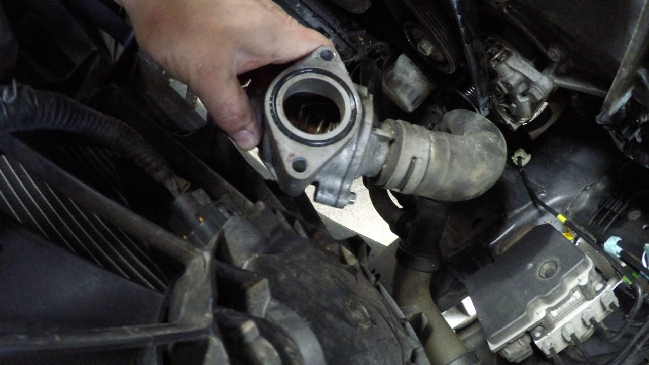 medium resolution of 2013 f150 v8 coyote water pump install replacement installation 8